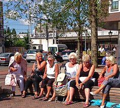 Wat is het toch fijn op het #Haarlemmerplein Kijk maar op http://www.facebook.com/haarlemmerbuurt 22 juli 2015