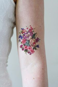 Delicate tattoo - skull in floral - 10.3KB