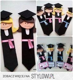 Lembrancinhas de Aniversário em EVA: Passo a Passo 27 Ideias Graduation Crafts, Kindergarten Graduation, School Decorations, Graduation Parties, Kids Crafts, Preschool Crafts, Felt Crafts, Diy And Crafts, Craft Ideas
