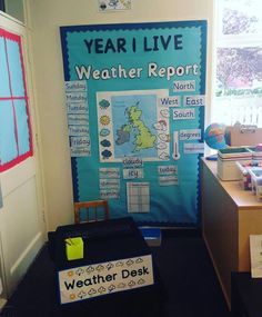 Brilliant Weather Report Role Play area - perfect for introducing children to news reporting and delivering the latest headlines with Twinkl Newsroom - our national curriculum aligned resources helping you teach the latest news. Weather Activities Preschool, Teaching Weather, Weather Science, Weather Unit, Weather And Climate, Science Activities, Weather Report For Kids, Weather Center, Primary Science