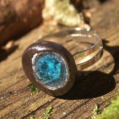 Hana Bendová - ring (ceramic, glass)