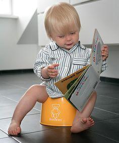 I neonati e i bambini piccoli possono soffrire di stitichezza: vediamo qualche utile consiglio per affrontare e risolvere questo problema fastidioso.