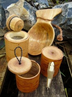 Birch boxes with log slice tops