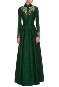 nikhil thampi emerald green satin linen anarkali gown simple - blouses collar floral off shoulder linen purple blouse ad Indian Attire, Indian Ethnic Wear, Indian Dresses, Indian Outfits, Hijab Fashion, Fashion Dresses, Anarkali Gown, Indian Designer Wear, Nikhil Thampi