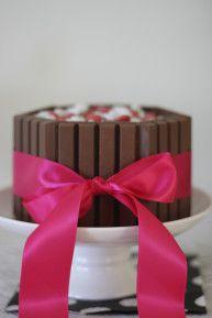 mini kit kat cake Kit Kat Recipes, Cupcake Cakes, Cupcakes, Cheesecake Cake, Cheesecakes, Holidays And Events, Oreo, Sweet Tooth, Deserts