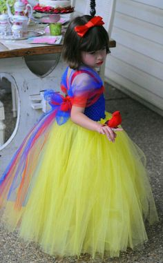 Disney Snow White Inspired Tutu Dress- Perfect for photoshoots, gifts, costumes, and dress up and Halloween Tutu Princesa Disney, Disney Princess Tutu, Princess Tutu Dresses, Disney Dresses, Princess Party, Snow White Costume Kids, Snow White Tutu, Diy Tutu, Tulle Dress