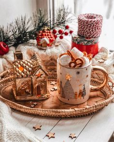 My Life in the Countryside Christmas Coffee, Christmas Mood, Christmas Photos, Christmas Ideas, Cute Christmas Wallpaper, Winter Wallpaper, Christmas Gifts For Friends, Christmas Goodies, Christmas Wonderland