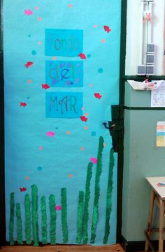 Puerta de mi aula by franciscadm on pinterest navidad for Puertas decoradas con flores de papel