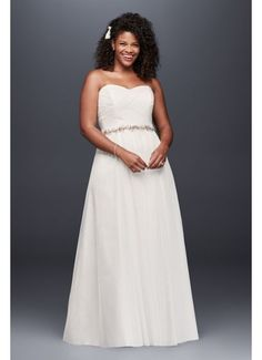 Looking for the perfect plus size wedding dress in extended sizes? Shop David's Bridal extensive selection of plus size wedding dresses available in extended sizes. Galina Wedding Dress, Corset Back Wedding Dress, Tulle Wedding Gown, Bridal Party Dresses, Long Wedding Dresses, Wedding Dress Shopping, Wedding Dress Styles, Bridal Gowns, Wedding Colors