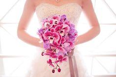 Bunga Pernikahan dan Artinya - exotic-cascading-wedding-bouquet-of-purple-pink-orchids.full