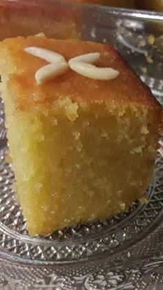 Σάμαλι νηστίσιμο !!Απίστευτη γεύση!!!!Δεν μπορώ να περιγράψω την μυρωδιά του,μοσχοβολάει μαστίχα και πορτοκάλι παντού μέσα έξω πραγματι... Greek Sweets, Greek Desserts, Greek Recipes, Desert Recipes, Cookbook Recipes, Sweets Recipes, Cake Recipes, Cooking Recipes, Greek Pastries