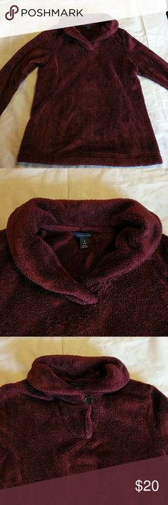 Burgandy fleece sweatshirt From Land's End this soft fleece sweatshirt is both comfortable and stylish. It has a button neck that can be left open or closed. Stay warm and cozy in this fleece. Lands' End Tops Sweatshirts & Hoodies