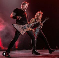 James Hetfield and Kirk Hammett of Metallica