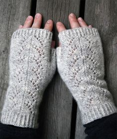 Free Knitting Pattern for Cloudburst Fingerless Mitts - Lace fingerless mitts. - knit hat patterns Free Knitting Pattern for Cloudburst Fingerless Mitts - Lace fingerless mitts. Fingerless Gloves Knitted, Crochet Gloves, Knit Mittens, Knitting Socks, Knitted Hats, Crochet Lace, Free Crochet, Crochet Wrist Warmers, Tuto Tricot