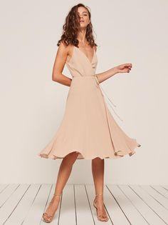This is a midi length, wrap dress with a high slit and adjustable straps.Sexy cocktail dress, date night dress, going out party dress. Bridesmaid Dresses, Prom Dresses, Summer Dresses, Wedding Dresses, Look Fashion, Fashion Outfits, Casual Dresses, Short Dresses, Elegant Dresses
