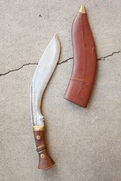 Antique WWI 1917 MK. 2 British Military Gurkha Issue Kukri by Cossipore Arsenal in India with original Scabbard