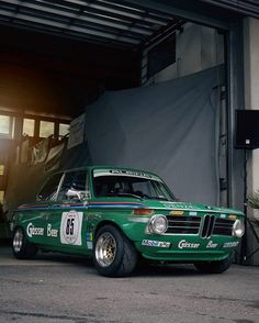 Excellent pic from My Dream Car, Dream Cars, Bmw 2002, Bmw Classic, Classic Mini, Bavarian Motor Works, Weird Cars, Bmw Cars, Courses