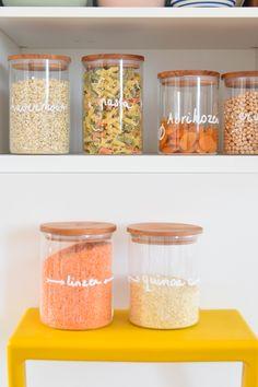 Zo nu en dan heeft Wimke het te pakken, opruimwoede. Dit keer pakte ze de keukenkastjes drastisch aan. Laat je inspireren op het blog.