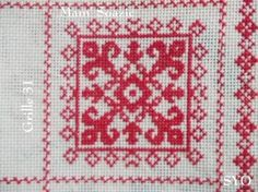 SAL : Plaid Broderie Rouge... Grille 31 / M9