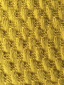 Sysler fra hverdagen: Strikkede klud - Karry gul Crochet Hooks, Crochet Baby, Crochet Pattern, Drops Design, Scarfie Yarn, Hand Knitting, Knitting Patterns, Drops Baby, Flap Hat