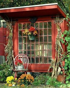 Spruce up the old lean to? Love this!