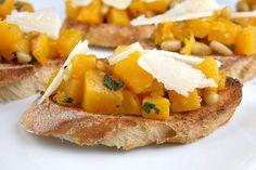 Butternut Squasch Bruschetta, perfect for a Thanksgiving appetizer!