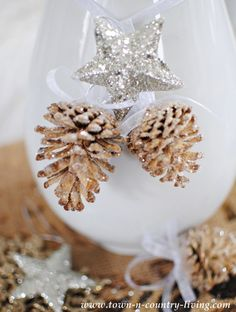 DIY Christmas Decor. Bleached and glittered pine cones. Full tutorial with photos.
