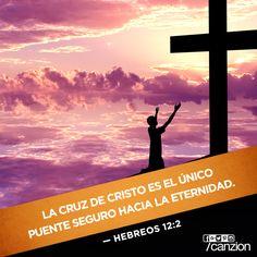 «Esto lo hacemos al fijar la mirada en Jesús, el campeón que inicia y perfecciona nuestra fe. Debido al gozo que le esperaba, Jesús soportó la cruz, sin importarle la vergüenza que esta representaba. Ahora está sentado en el lugar de honor, junto al trono de Dios». —Hebreos 12:2