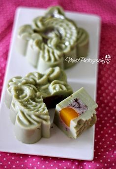 Min's Blog: 绿茶红豆燕菜月饼 Green Tea Red Bean Jelly Mooncake