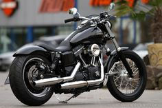 Customized #Harley-Davidson Street Bob (FXDB)