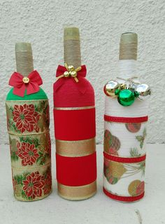 Home Decoration With Paper Craft Refferal: 5930878287 Diy Art Projects, Projects To Try, Adult Crafts, Diy Crafts, Christmas Crafts, Christmas Decorations, Christmas Wine Bottles, Wine Bottle Crafts, Water Crafts