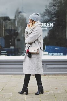 Must-have for the winter: Grey Trenchcoat Creators of Desire waysify Stay Warm, Over The Knee Boots, Must Haves, The Past, Zara, Normcore, Street Style, Style Inspiration, Winter Coats