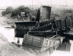 Canals - The Nuneaton and North Warwickshire Local and Family History Web Site Heritage Railway, Canal Boat, Narrowboat, History Channel, Coventry, Family History, Old Photos, Trains, Boats