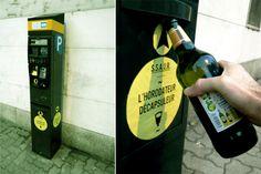 Florian Rivière, urban hacker  /// L'horodateur décapsuleur horodateur + bouteille avec capsule (Strasbourg - novembre 2012)