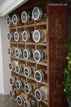 Printable Spice Labels | theidearoom.net #organization #labels #kitchen