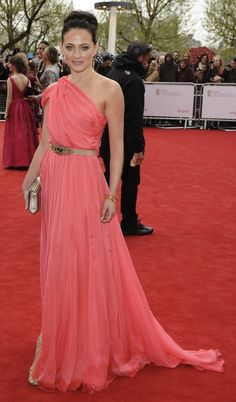 For me the best part of awards shows are the red carpets, when celebs try and sometimes fail miserably to show us how stylish they are.  And last nights TV Bafta's did not disappoint.  My favourite dress of the evening was worn by Laura Pulver who braved the good old English weather in a beautiful, coral chiffon, one shoulder number..