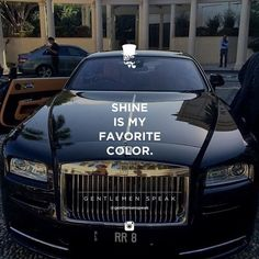 #gentlemenspeak #gentlemen #quotes #follow #life #classy #blogger #menstyle #menwithclass #menwithstyle #elegance #entrepreneurquotes #lifequotes #motivationalquotes #black #blackcar #elegantcar #expensivetastes #roslsroyce #rr8 #shine #myfavoritecolor #closeup