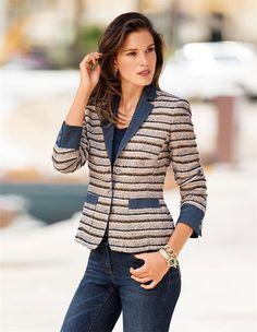 Der Tweed-Blazer mit Jeans-Akzenten: ein gestreifter Blazer mit dem Extra an Charakter.
