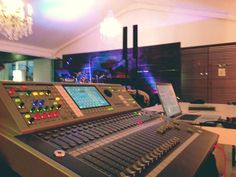 Compact Quality Sound systems in Cape Town South Africa. AV rentals based in Claremont, sound hire specialists