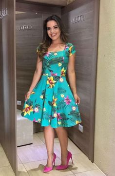 Modas - Moda Evangélica - A Loja da Mulher Virtuosa Casual Dresses, Short Dresses, Fashion Dresses, Dress Me Up, Dress Skirt, Moda Floral, Conservative Fashion, Floral Fashion, Skirt Outfits