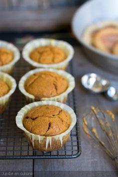 Pumpkin muffins (muffins à la courge) | Jujube en cuisine Jar Gifts, I Love Food, Caramel, Vegan, Healthy Recipes, Yummy Recipes, Cravings, Dairy Free, Scones
