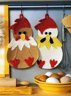 You will love this collection of Vintage Crochet Chicken Patterns and we have rounded up the sweetest collection ever! Check out all the ideas now. Potholder Patterns, Crochet Potholders, Crochet Patterns, Crochet Lion, Free Crochet, Crochet Hats, Crochet Poncho, Crochet Hot Pads, Crochet Towel