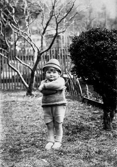 "Ernest Hemingways son, Jack ""Bumby"" Hemingway, posing in Schruns… Ernest Hemingway, Hadley Richardson, The Paris Wife, Polydactyl Cat, Nobel Prize In Literature, Writers And Poets, Reasons To Smile, Old Photos, Vintage Photos"