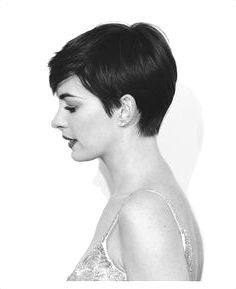16 Stunning Short Haircuts For Women For An Edgy But Feminine Vibe #short #hair #cuts #women #pixie #edgy #popular