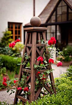 obelisk trellis:  I'd like to make a smaller version of this for indoors.