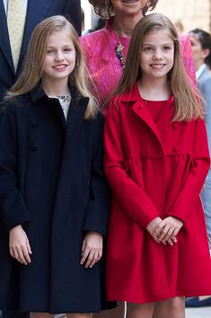 Princess Leonor of Spain (L) and Infanta Sofia of Spain (R) attend the Easter Mass at the Cathedral of Palma de Mallorca on April 16, 2017 in Palma de Mallorca, Spain.