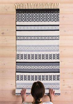 Second Hand Red Carpet Runner Wall Carpet, Diy Carpet, Beige Carpet, Modern Carpet, Diy Mattress, Painting Carpet, Weaving Textiles, Cheap Carpet Runners, Weaving Projects