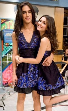 Even though it may look like Victoria's twin sister it really is Avan Jogia dressing up like Tori for the new episode of Victorious. Avan Jogia, Drag Queens, Victoria Justice, Beautiful Couple, Beautiful Boys, Tgirls, Crossdressers, Cute Couples, Dress Up