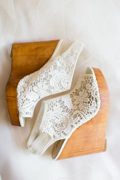 lace wedding wedges  | Erin Wilson