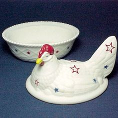 Hen on a Nest with Red, White and Blue Stars. Art Glass Chicken Covered Animal Dish or Trinket Box with a Americana Patriotic theme. A terrific Independence Day, 4th of July Party Decor or Gift.